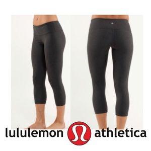 Lululemon Wunder Under crops gray size 10 EUC